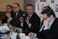 Sergio de la Torre,  Ministro de Economía de Guatemala, anunció la licitación de tres mega proyectos de infraestructura para el 2014.