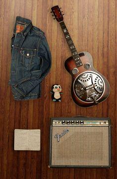 Kurt Vile's tour essentials: Trucker Jacket, Dobro resonator guitar, notebook, Fender amp, and penguin - a reminder of home. Kurt Vile, Resonator Guitar, Play That Funky Music, Estilo Denim, Men's Outfits, Levi Strauss, Rocking Chair, Levis, Penguin