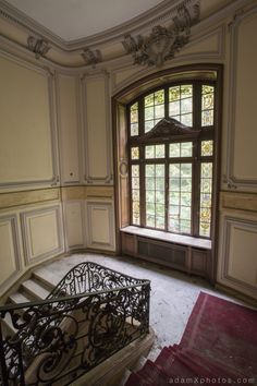 CHATEAU LUMIERE. the main staircase. 06.27.2014