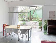 מפתיעה במיוחד: דירת שיכון משופצת ברמת אביב | בניין ודיור