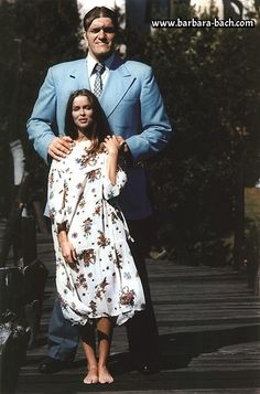 The Spy Who Loved Me 1977 Directed by Lewis Gilbert Richard Kiel / Barbara Bach Movies Photo - 30 x 41 cm James Bond Women, James Bond Style, James Bond Theme, James Bond Movies, Roger Moore, Estilo James Bond, Richard Kiel, Celebrity Yearbook Photos, Tall People