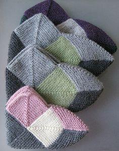 Ravelry: Dominotossut - Domino slippers pattern by Tiina Kovalaine Crochet Motif, Crochet Hooks, Filet Crochet, Knit Crochet, Knitting Socks, Free Knitting, Baby Knitting, Knitting Blocking, Knit Baby Booties