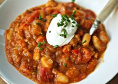 Spicy Sausage and Pumpkin Chili bon appetit - pumpkin recipes Chili Recipes, Soup Recipes, Dinner Recipes, Healthy Recipes, Healthy Eats, Crockpot Recipes, Pumpkin Chili, Canned Pumpkin, Pumpkin Soup