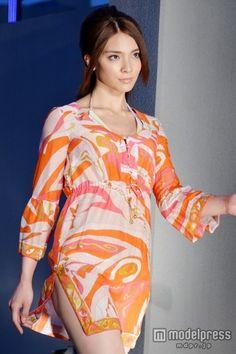 ファッションショー「a-nation&GirlsAward lsland collection」に登場した秋元才加