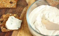 Spreadable Herb Cashew-Hemp Cheese [Vegan, Raw, Gluten-Free]