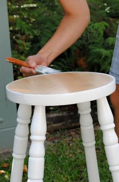DIY: Cottage Stool Makeover. So cute! Stool Makeover, Hand Painted Furniture, Diy Painting, Vanity Bench, Bar Stools, Counter Height Chairs, Painting Furniture, Makeup Dresser, Powder Room Vanity