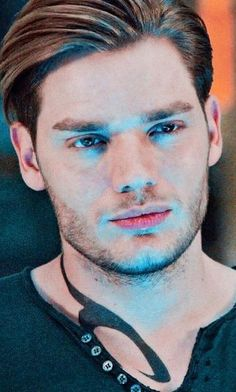 Dominic Sherwood Shadowhunters, Shadowhunters Tv Show, Shadowhunters The Mortal Instruments, Hot Actors, Actors & Actresses, Jared Padalecki Gilmore Girls, Clary Y Jace, Gallagher Girls, Gilbert Blythe