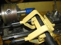 Tube Notching Lathe Attachment - Homemade tube notching lathe attachment fabricated from flat and angled bar stock, threaded rod, and coupling nuts. Utilizes a chuck-mounted hole saw to cut the tube notches. Homemade Tube, Homemade Tools, Metal Working Tools, Metal Tools, Lathe Projects, Metal Projects, Craft Projects, Lathe Tools, Woodworking Tools