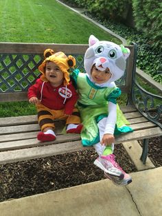 My little Daniel the tiger and my sweet Katerina the kittycat. My munchkins Halloween costume 2014 Tiger Halloween Costume, Halloween Costumes 2014, Halloween 2019, Holidays Halloween, Baby Halloween, Halloween Ideas, Twin First Birthday, 5th Birthday, Daniel Tiger Costume