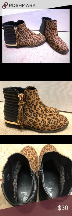 Black Friday deal! Cheetah fall bootie boot Adorable cheetah print fall boots. Size 7.5. Good condition. You will love these paired with skinny jeans and a cute red top! Shoes Ankle Boots & Booties