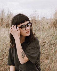 Tattoo girl face bangs 53 ideas for 2019 Hair Inspo, Hair Inspiration, New Hair, Your Hair, Medium Hair Styles, Short Hair Styles, Short Grunge Hair, Short Bangs, Mi Long
