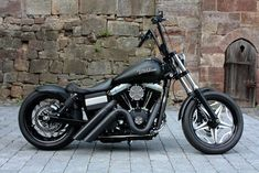 street bob - on my Christmas list! mine will definitely have the Apes & a pan seat. love the pipes too #harleydavidsondynastreetbob