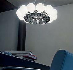 Vistosi/ビストージ/24pearls/24パールズペンダントライト 12個の電球と12個のニッケル製のクロームボールの24個のボールを組み合わせたペンダントライト。