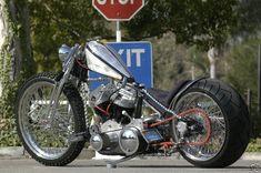 http://onehandedbikers.files.wordpress.com/2011/10/1957-harley-davidson-panhead-custom-chopper-b-full1.jpeg