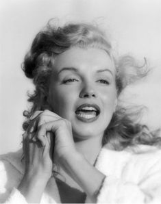 Hello and Welcome to the Marilyn Monroe Fan Site. Take a peek through the fine collection of Marilyn Monroe videos, photographs and gifs. Howard Hughes, Joe Dimaggio, Long Island, Marilyn Monroe Fotos, Norma Jeane, How To Pose, My Tumblr, Nude Photography, Andrew Lincoln