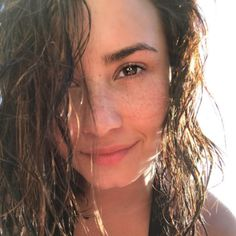 Demi Lovato Isn't Working On New Music But She May Have Dated A Woman Before - http://oceanup.com/2016/10/04/demi-lovato-isnt-working-on-new-music-but-she-may-have-dated-a-woman-before/