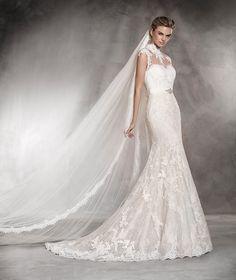 Andrea - Vestido de noiva em renda, corte A e costas semidescobertas