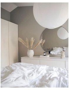 Bedroom Sofa, Room Ideas Bedroom, Home Decor Bedroom, Ikea Bedroom, Bedroom Inspo, Minimalist Room, Aesthetic Room Decor, Home Room Design, Master Bedroom Design