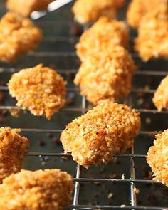 These are the BEST crispy baked chicken nuggets you'll ever make! This delicious, healthy chicken nuggets recipe takes just about 30 minutes from start to finish and uses simple ingredients like panko breadcrumbs, chicken breast and spices. Serve with honey mustard, ketchup or your favorite BBQ sauce. Kid-friendly and adult approved! Healthy Chicken Nuggets, Homemade Chicken Nuggets, Chicken Nugget Recipes, Crispy Baked Chicken, Chicken Milk, Oven Chicken, Recipe Videos, Food Videos, Nuggets Recipe