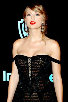 """"""" Taylor Swift attends the 2019 InStyle and Warner Bros. Annual Golden Globe Awards Post-Party at The Beverly Hilton Hotel on January 2019 in Beverly Hills, California (Source: Rich Fury/Getty. Taylor Swift Legs, Estilo Taylor Swift, Taylor Swift Album, Long Live Taylor Swift, Taylor Swift Style, Taylor Swift Pictures, Taylor Alison Swift, Taylor Swfit, Taylor Swift Wallpaper"""