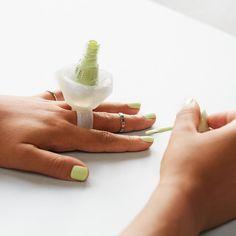 online exclusive - essence nail polish holder #essenceexclusive
