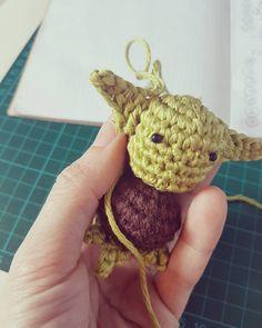 "¤ Amigurumi Artist (@bramacrochet) en Instagram: """"Siempre en movimiento está el futuro."" Buenos días!! "" #bramacrochet #amigurumi #あみぐるみ #амигуруми #amigurumilove #handmadetoys #crochetdolls #crochetlove #crochet #kawaii #etsy #etsyshop #diy #handmade #ganchillo #häkeln #uncinetto #craft #crocheterofinstagram #handmade #yarn #yarnporn #fattoamano #plush #plushies #starwars #yoda #theforceawakens #workinprogress #wip"