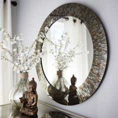 You say you need a mirror that reflects your gleam and glam? Consider this shimmering amber mosaic option. Handcrafted to deliver pure razzle-dazzle, it lights up a room—just like you.
