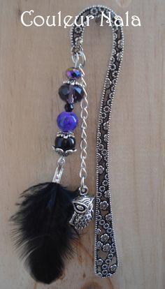 Marque pages bijoux de 12cm, métal argenté fleuri, plume noire et breloque chouette hibou, perles verre à facette : Marque-pages par couleur-nala