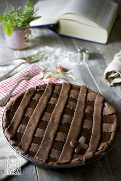 Provate la crostata al cioccolato più buona del mondo. #dolce #cosefatteincasa #handmade #homemade #chocolate #food #delicious #cioccolato http://cosefatteincasa.it/2015/12/10/crostata-al-cioccolato-fondente/