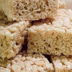 I haven't met too many people that don't like rice crispy treats, and when you add marijuana to the equation, the list gets even smaller. There's just something about ripping off a piece of gooey goodness from a rice crispy treat that makes me smile every time. Plus the recipe below packs...