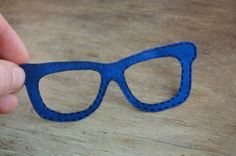 Kids applique iron on patch blue glasses - pinned by pin4etsy.com