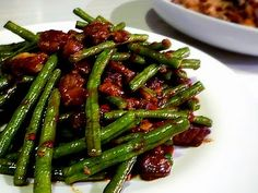 3 hungry tummies: Spicy Yard Long Bean With Crispy Pork Belly 香辣豆角五花肉