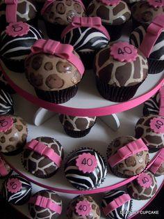 animal print cupcakes