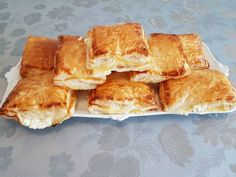 Spanakopita, Baked Goods, Baking, Ethnic Recipes, Food, Cooking, Bakken, Essen, Meals