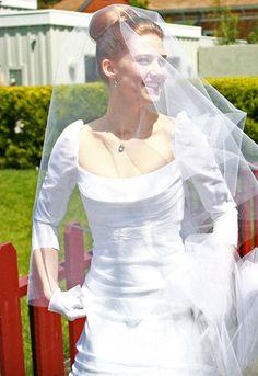 Suzanne Erman 'Patik' Size 4 Wedding Dress - Nearly Newlywed