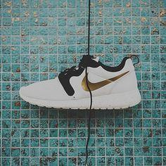 "@nike Roshe Run Hyperfuse ""Gold Hypervenom"" photo: @sneakerpolitics"