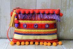Púrpura con flecos adornado embrague bolsa con correa por RENIQLO