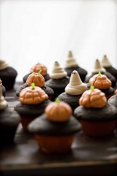 Pumpkin Chocolate Cupcakes with Cream Cheese Frosting {recipe}