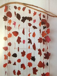 Guirlandes de feuilles d'automne Clay Crafts, Diy And Crafts, Crafts For Kids, Fall Projects, Projects To Try, Fall Preschool, Autumn Crafts, Mobiles, Fall Diy