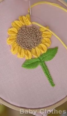 Diy Embroidery Designs, Hand Embroidery Patterns Flowers, Basic Embroidery Stitches, Hand Embroidery Videos, Embroidery Stitches Tutorial, Embroidery Flowers Pattern, Creative Embroidery, Simple Embroidery, Embroidery Techniques