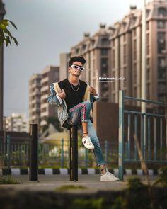 Studio Background Images, Black Background Images, Editing Background, Black Backgrounds, Photo Poses For Boy, Boy Poses, Boy Photography Poses, Creative Photography, Photoshoot Pose Boy