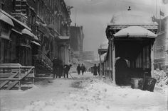 Old New York In Photos #35 - Snow Removal In 1908.  Subway kiosk on right.  Stuff Nobody ...