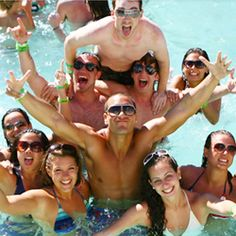 <p>We've put together a list of Spring Break 2015 dates for the top schools around the country. Tell your friends!</p>