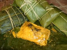 How to make Panamanian Tamales   ½ cup chopped red peppers   1 tablespoon sea salt   5 large culantro leaves   4 cups water   1 cup pru...