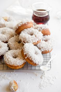 I have a mild obsession with donuts😂 Delicious Donuts, Delicious Desserts, Dessert Recipes, Yummy Food, Slow Cooker Desserts, Fried Donuts, Doughnuts, Angel Food, Homemade Donuts