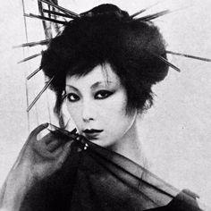"taishou-kun: ""Yamaguchi Sayoko 山口 小夜子 (1949-2007) - Japan - 1978 Source twitter @BlackXjs """