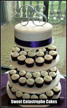 Wedding Cake and cup cakes  This is EXACTLY what I want :) but a different topper...