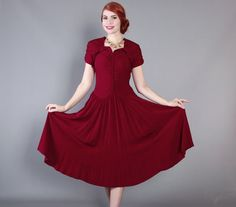 40s Merlot Rayon Crepe DRESS / Vintage 1940s Ruched Cocktail Dress with Sweeping Skirt, s