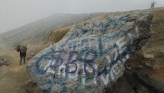 Aksi Vandalisme Kotori Keindahan Kawah Ijen