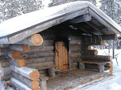 "Did you know that the only Finnish word that is commonly used in English is ""sauna""? The Sauna is a big thing in Finland, in a country with a population of 5 million, there are estimated to be arou… Saunas, Cabin Homes, Log Homes, Sauna Design, Outdoor Sauna, Finnish Sauna, Small Log Cabin, Cabins And Cottages, Log Cabins"